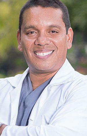 doctor-lisandro-jimenez-ortopedista-clinica-ortopedica-02